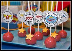 Cake pops para una fiesta superheroes / Cake pops for a superhero party!