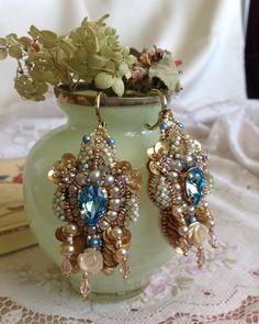 240 отметок «Нравится», 7 комментариев — H A N D  E M B R O I D E R Y (@juliavysokova) в Instagram: «#earrings #embroidery #embroideryart #hautecouture #серьгиручнойработы #вышивка #broderie #jewelry…»