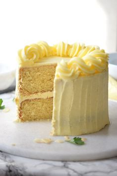 wedding cakes flavors The very best Vanilla Layer Cake youll ever bake! This is so good Im seriously thinkign about using it as my wedding cake. Moist, packed with flavor and great to frost! This is seriously the best vanilla layer cake recipe ever! Best Vanilla Layer Cake Recipe, Layer Cake Recipes, Best Cake Recipes, Dessert Recipes, Vanilla Cake Recipes, Best White Cake Recipe, Best Vanilla Cake Recipe Moist, Vanilla Birthday Cake Recipe, Vanilla Cake From Scratch