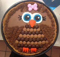 Owl cookie cake