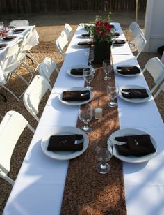 white table cloth with brown stripe