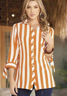 Girls Fashion Clothes, Big Girl Fashion, Fashion Over 50, Fashion Outfits, Blouse Styles, Blouse Designs, Denim Studio, Fancy Dress Design, Sleeves Designs For Dresses