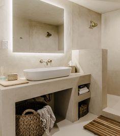 Beautiful interior with natural tones and materials Bathroom Inspo, Bathroom Styling, Bathroom Interior Design, Bathroom Inspiration, Modern Bathroom, Small Bathroom, Master Bathroom, Bathroom Ideas, Interior Inspiration