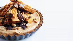 peanut-butter-honeycomb-pie