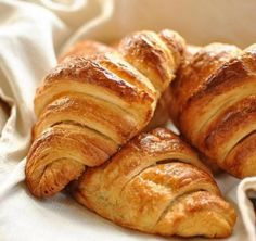 Croissants, although commonly associated with France today, did not become a common part of a French breakfast until However, in the they were around, just less commonly. French Dishes, French Food, Difficult Recipe, Food Network Recipes, Cooking Recipes, Homemade Croissants, Croissant Recipe, Croissant Dough, Cake Delivery