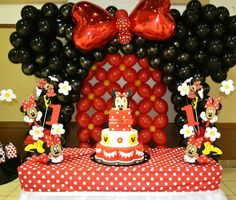 Minnie Mouse (Red) Extravaganza Birthday Party Ideas regarding Red Minnie Mouse Party Decorations Minnie Mouse Party Decorations, Minnie Mouse Theme Party, Minnie Mouse 1st Birthday, Balloon Decorations Party, Mickey Party, Mouse Parties, Girl Birthday, Disney Centerpieces, Mickey And Minnie Cake