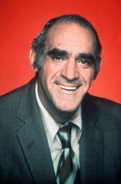 Nai'zyy Abe Vigoda - Actor (The Godfather).