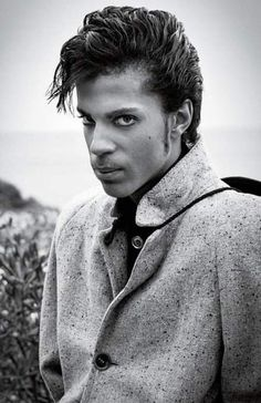 Prince Like You've Never Seen Him Before: The Star's Longtime Photographer Shares Rare Photos and Private Memories Prinz, wie du. Prince Rogers Nelson, Michael Jackson, Taylor Swift, Madonna, Mountain Music, Photos Of Prince, Genuine Smile, Father John, Hip Hop