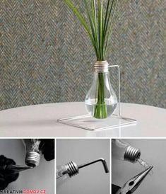Žárovka jako moderní váza