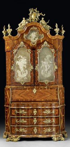 Important scriban vénitien du milieu du XVIIIe siècle. Estimation : 200 000 € / 300 000 €.