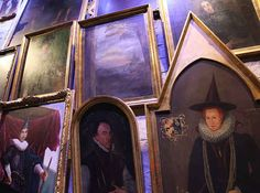 Look at the Hogwarts portraits! | What It's Like When A Harry Potter Fan Makes The Journey To London