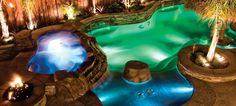 Five Lighting Ideas for a Well-Lit Pool. Most pools only have lighting for safety. Why not make your pool stand out by lighting it creatively, too? Read on for some interesting pool lighting ideas! Inground Pool Lights, Swimming Pool Lights, Swimming Pools, Pool Spa, My Pool, Pool Water, Backyard Patio, Outdoor Pool, Backyard Ideas