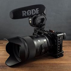 SmallRig Sony Cage 1661 is a formfitting aluminum exoskeleton that protects your camera and offers mounting options to attach accessories. Camera Rig, Sony Camera, Camera Hacks, Camera Gear, Digital Camera, Canon Cameras, Nikon Dslr, Canon Lens, Movies