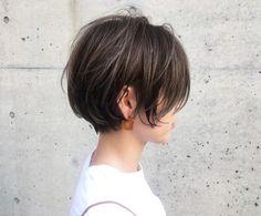 57 hottest short bob haircuts for women 00101 ~ Litledress Short Bob Haircuts, Bob Hairstyles, Simple Hairstyles, Hair Inspo, Hair Inspiration, Medium Hair Styles, Short Hair Styles, Hair Affair, Great Hair
