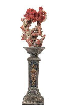 Fecarotta Antichità, composizione antica in corallo e metallo con specchi  #unique #jewellery #style #jewelry #Antique #coral #summer #emerald #smaragd #exhibition #artandcrafts #shoppinginsicily #visitsicily