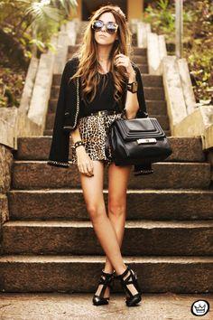 http://fashioncoolture.com.br/2013/08/23/look-du-jour-all-of-me/