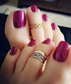 New Best Summer Pedicure Colors Ideas Pretty Toe Nails, Cute Toe Nails, Cute Toes, Pretty Toes, Toe Ring Designs, Nail Designs, Painted Toes, Toenails Painted, Silver Toe Rings