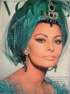 I  love the eye makeup. She could seriously be my mom's long lost mother. Vintage Vogue magazine covers -