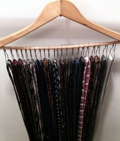 Men's tie storage: Used metal shower hooks on a hanger and looped the ties on. Tie Storage, Closet Storage, Closet Wall, Diy Wall Shelves, Hanging Shelves, Organizar Closet, Tie Organization, Storage Organizers, Organizing Belts