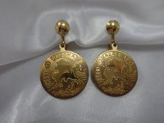 ALASKA Travel Souvenir SCREWBACK EARRINGS Gold by PrettyOldJewels