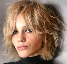 50 Best Bob Styles for 2020 - Fab Bob Haircuts and Hairstyles for Women - Hair Adviser Shaggy Bob Hairstyles, Shaggy Bob Haircut, Best Bob Haircuts, Hairstyles With Bangs, Straight Hairstyles, Medium Shag Haircuts, Medium Hair Cuts, Medium Hair Styles, Curly Hair Styles