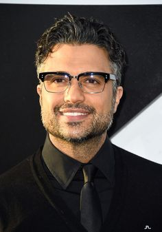 """*Starts petition for more scruff*   Can We All Just Take A Moment To Appreciate Jaime Camil From """"Jane The Virgin""""?"""