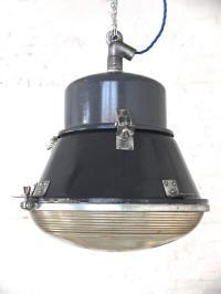 NEW OBJECTS: Marineblaue Vintage Fabriklampe  Mehr unter: http://www.worksberlin.com/objekte.htm