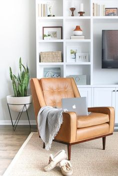 Gorgeous 45 Awesome Minimalist Living Room Decorating Ideas https://homeideas.co/3426/45-awesome-minimalist-living-rom-decorating-ideas