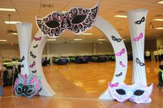 Cool entry way for Mardi Gras or Masquarade Ball