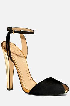 Gucci - Women's Shoes - 2012 Spring-Summer #dental #poker