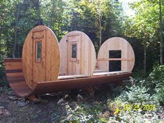 How to build a barrel sauna. Or order one from Leisure Living! Saunas, Backyard Projects, Wood Projects, Building A Sauna, Sauna Shower, Barrel Sauna, Cheap Pool, Outdoor Sauna, Sauna Design