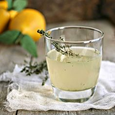 Pear & Thyme Gin Fizz