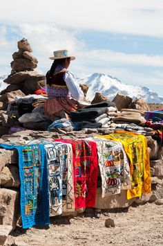 Peru Travel Inspiration - Clothes selling, Colca Canyon | Peru.  fabulosas bordadoras y tejedoras peruanas!!!