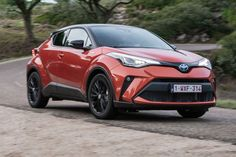 Can a new, more powerful hybrid system push the Toyota C-HR to the top of the family SUV class? Jeep Cherokee Srt8, Family Suv, One Drive, Toyota C Hr, Peugeot 3008, Futuristic Cars, Nice Cars, Volvo, Places To Travel