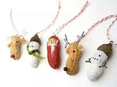 Decorazioni con gli arachidi dipinti  (Trovato su internet...non ricordo il sito)