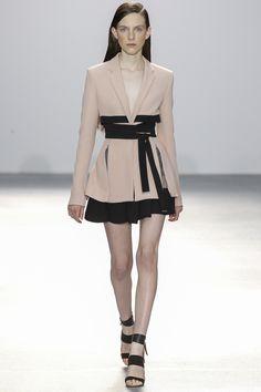 David Koma Spring 2016 Ready-to-Wear Fashion Show. Printemps 2016 prêt à porter #mode #fashion
