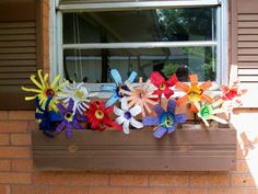 Creative and inspiring modern ideas for recycling plastic bottles - Best DIY Ideas Plastic Flowers, Fake Flowers, Diy Flowers, Flower Diy, Plastic Bottle Crafts, Recycle Plastic Bottles, Recycled Bottles, Recycled Crafts, Water Bottle Flowers