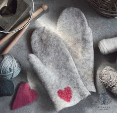 felted stylish woman slippers, accessories, gifts by BETWEENfd Valentines Day Hearts, Valentine Crafts, Wool Gloves, Felted Slippers, Handmade Felt, Couture, A 17, Womens Slippers, Arm Warmers