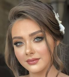 Dramatic Wedding Makeup, Natural Prom Makeup, Best Wedding Makeup, Bridal Makeup Looks, Bride Makeup, Wedding Hair And Makeup, Bride Hairstyles With Veil, Best Wedding Hairstyles, Beauty Makeup