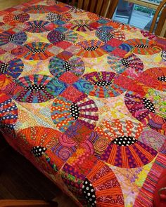 Simple way to get More Nice Scrappy Batik Quilts Patterns Ideas in my Web Ideas . Simple way to get More Nice Scrappy Batik Quilts Patterns Ideas in my Web Ideas . Patchwork Quilt, Batik Quilts, Scrappy Quilts, Easy Quilts, Quilting Projects, Quilting Designs, Longarm Quilting, Quilting Ideas, Wedding Ring Quilt
