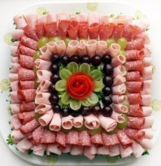 24 inspirations to serve cold plates - Kalte Platten - Wurst Meat And Cheese Tray, Meat Trays, Meat Platter, Food Trays, Charcuterie Platter, Cheese Food, Party Snacks, Appetizers For Party, Appetizer Recipes