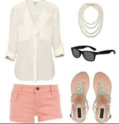 Head-turning Casual Outfit Ideas for Teenage Girls 2017 - Is there anyone who does not like the casual style? Of course not and it is almost impossible to find someone who says yes. Casual outfits are easy to. Mode Outfits, Casual Outfits, Fashion Outfits, Womens Fashion, Casual Shorts, Fashion Ideas, Fashion Styles, Hijab Fashion, Dress Fashion