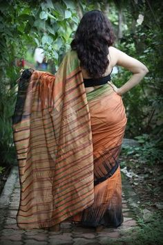 Sambalpuri Double Ikkat Cotton Handloom Saree by Dvija Beautiful Muslim Women, Beautiful Girl Indian, Beautiful Saree, Ikkat Pattu Sarees, Handloom Saree, Salwar Kameez, Indian Photoshoot, Saree Photoshoot, Indian Actress Hot Pics