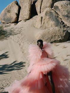Desert Fashion, Nyc Fashion, Dope Fashion, Fashion Images, Editorial Fashion, Korean Fashion, Fashion Beauty, Winter Fashion, Boho Wedding Dress