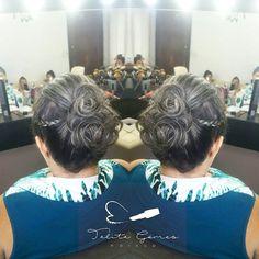 Penteado preso com tranças laterais. #beautiful #beauty #talitagomesmakeup #talitagomes #makeup #make #maquiagem #evandrodetony #hair #coque #glamourous #hairstyle #haircut #hairstylis #cabelos #noiva #madrinha #penteados #aquiemsantostem #debutante #santoscity #glamour #baixadasantista #quemdisseberenice #makeit #maquiagemlovers #013 #melhordesantos http://www.unirazzi.com/beauty/post/1481651864679537651_221387840/?code=BSP4oVTBNvz