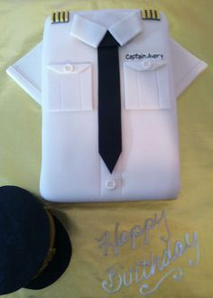 FedEx Pilot's Uniform w/ Hat Cake