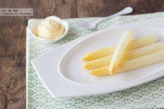 Cómo cocer espárragos blancos en casa. #Receta  http://www.directoalpaladar.com/recetas-de-legumbres-y-verduras/como-cocer-esparragos-blancos-en-casa-receta