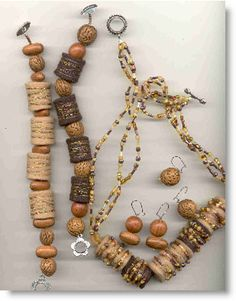 #DIY jewelry made with felt and beads...