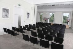 An abundance of modern lecture theatre technology allowing speakers to deliver a talk that is viewed, heard and absorbed by all. Lecture Theatre, Listed Building, Prince Philip, Contemporary Design, Restoration, Rooms, Interior, Modern, House