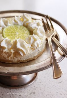 Either as individual or one large cheesecake, this is quick, simple and delicious to whip up in your Thermomix any time! Dessert Cake Recipes, Cheesecake Recipes, Sour Cream Cheesecake, Lime Sour, Bellini Recipe, Thermomix Desserts, High Protein Recipes, Protein Foods, Cooking